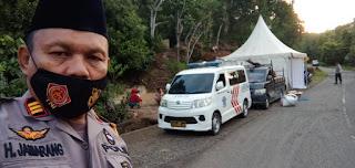 Larangan Mudik, Polsek Tombolo Pao Bangun Pos Penyekatan di Perbatasan Sinjai-Gowa