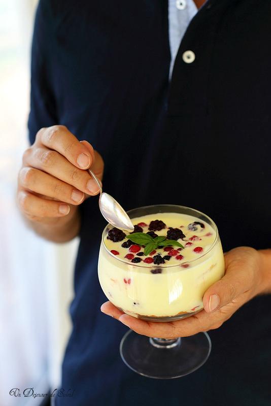 Trifle crème de citron légère et aux fruits rouges