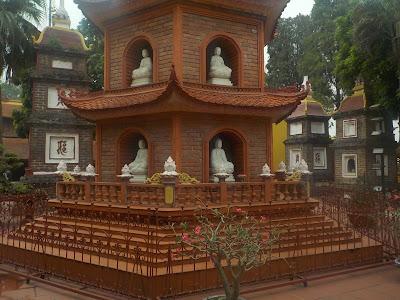 鎮国寺の仏塔