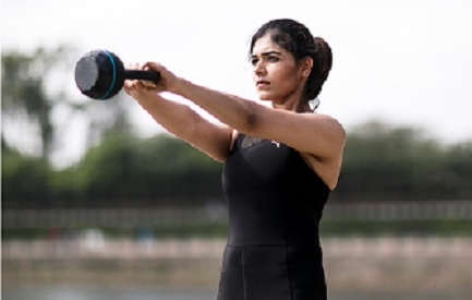 Priyanka Kinger who offers personal training for fitness goals is a certified wellness trainer, fitness trainer who provides diet and nutritional advice