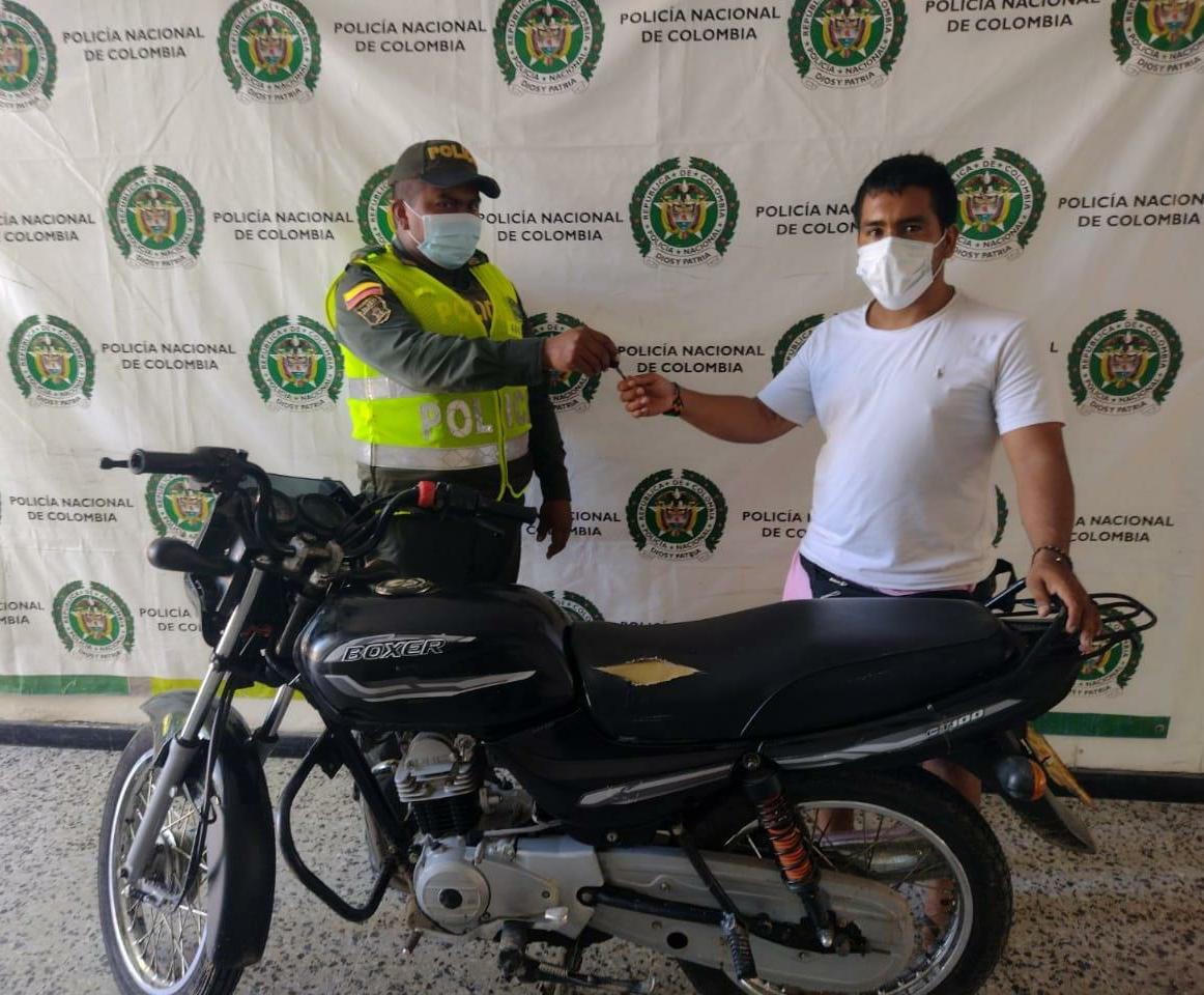hoyennoticia.com, En San Juan del Cesar Policía recuperó moto robada en Valledupar