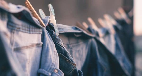 Giặt quần jean mới mua