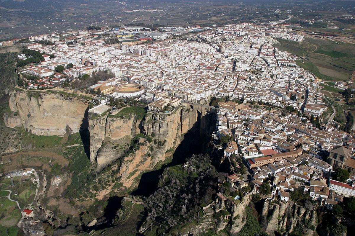 Город Ронда, Испания, вид сверху