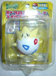 Togepi Pokemon figure Tomy Monster Collection yellow package series