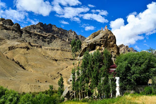 Places to visit in Jammu and kashmir (Mulbekh monastery )