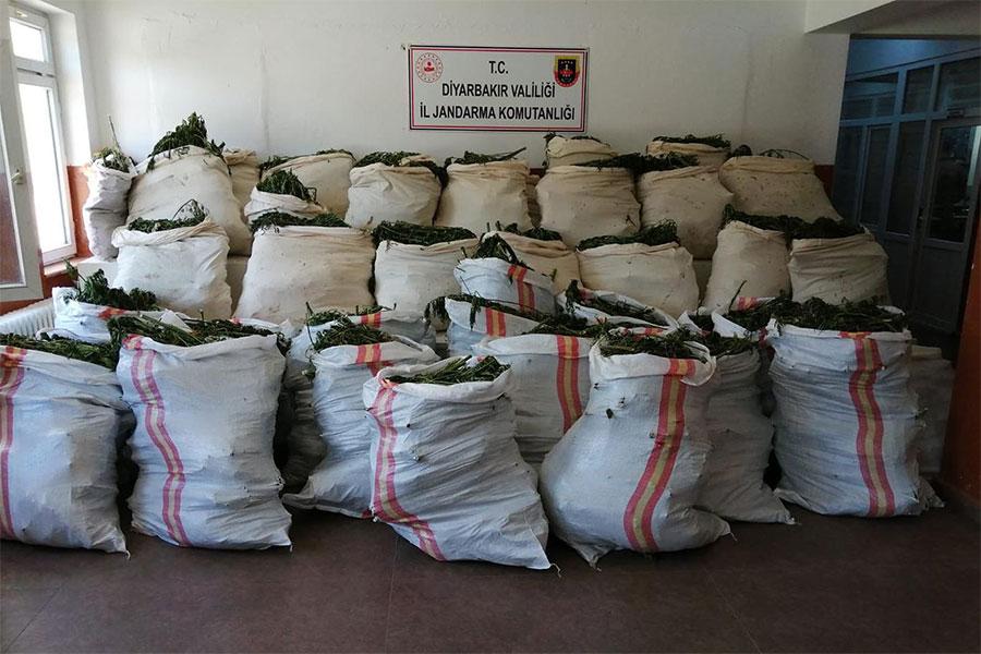 Diyarbakır'da 3 ton uyuşturucu ele geçirildi