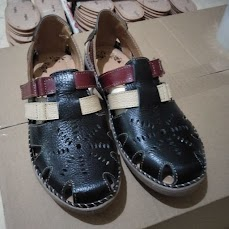 Sepatu kulit pria terbaru 2021