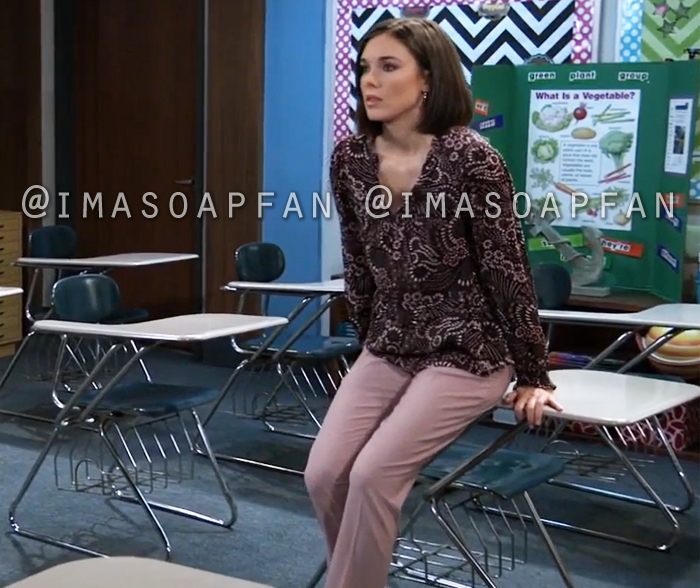 Willow Tait, Katelyn MacMullen, Light Pink Ankle Pants, General Hospital, GH