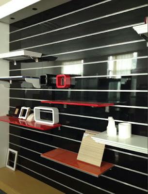 Tấm gỗ slatwall panels cài rãnh nhôm T trưng bày cho showroom, cửa hiệu - 221330