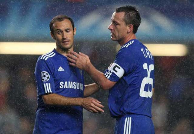 Liverpool lọt lưới ít ngang Chelsea mùa 2004/05: Hàng thủ nào đẳng cấp hơn? 3