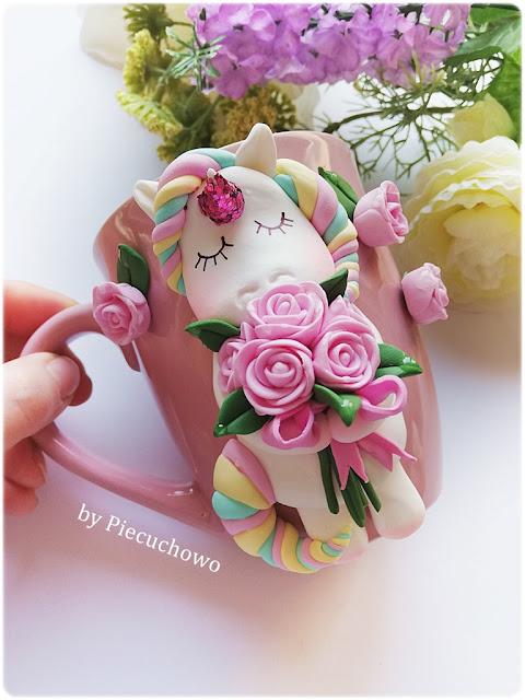 kubek z jednorożcem z kwiatami