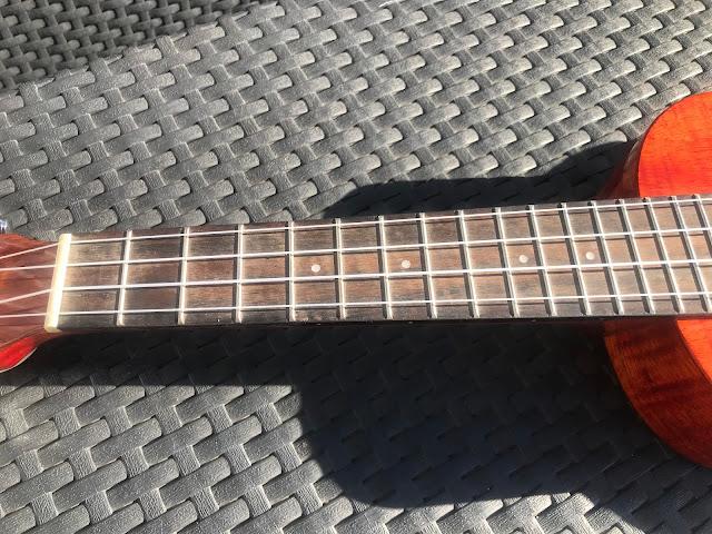 ukulele fretboard without oil