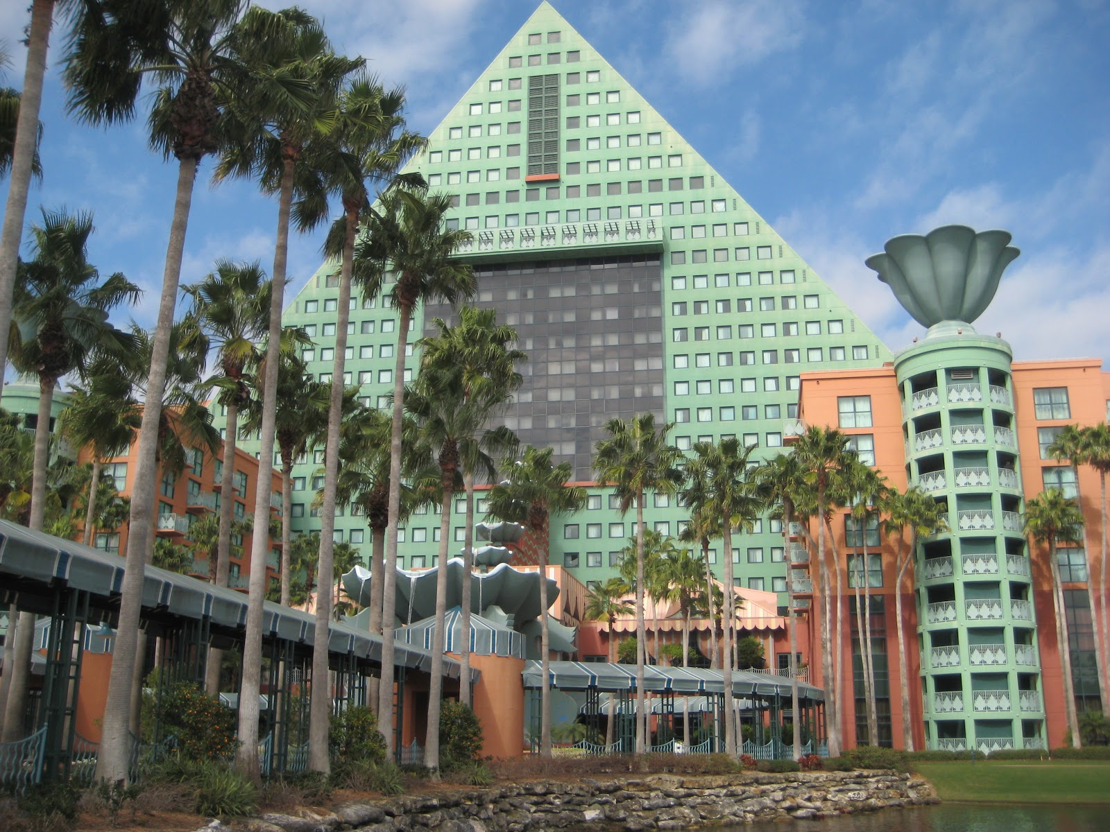Walt Disney World Dolphin Resort Restaurant Review Picabu Lake Buena Vista Orlando Fl