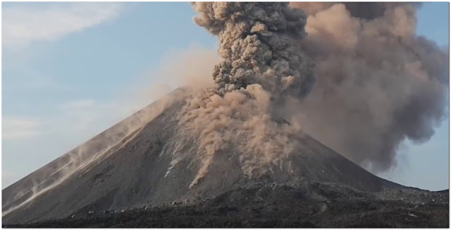 Gunung Krakatau Meletus Lagi,, Faktanya Pernah Melenyapkan Banyak Pulau