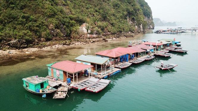 Chiêm ngưỡng làng chài đẹp nhất thế giới trên vịnh Hạ Long -5