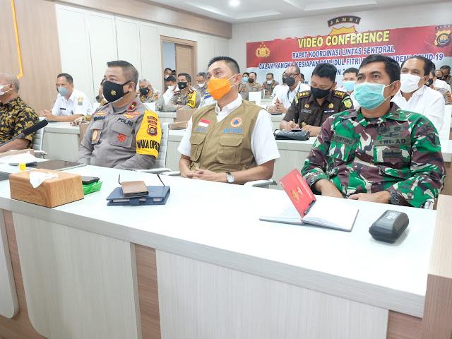 Polda Jambi Bersama Forkopimda Ikuti Vicon Rapat Lintas Sektoral Ops Ketupat Tahun 2021