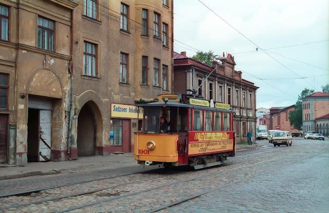 27 августа 1993 года. Рига. Ретро-трамвай на улице Маскавас
