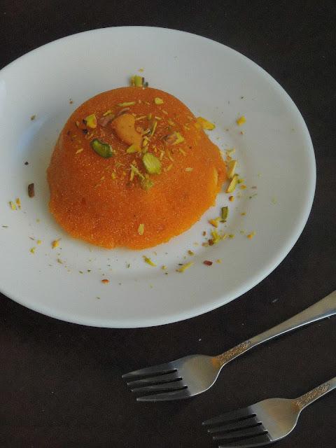 Coconut rava kesari, Coconut semolina pudding