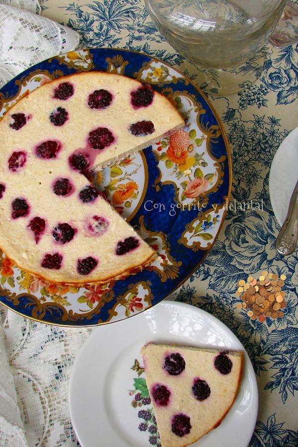 tarta-de-queso-ligera-para-el-raton-perez-con-gorrito-y-delantal