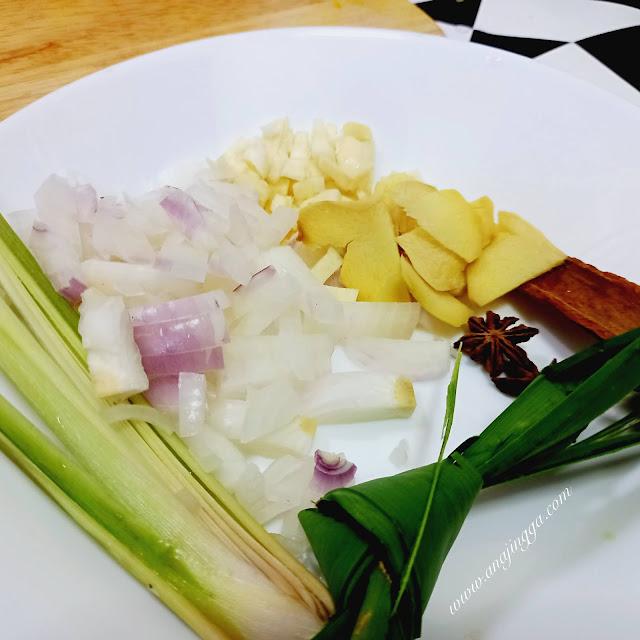 resepi dan cara masak nasi tomato dengan menggunakan periuk nasi letrik atau rice cooker