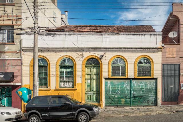 Uma casa com traços do colonial