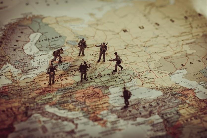 Τα Στενά, η ουκρανική κρίση και ο επιτήδειος σχοινοβάτης