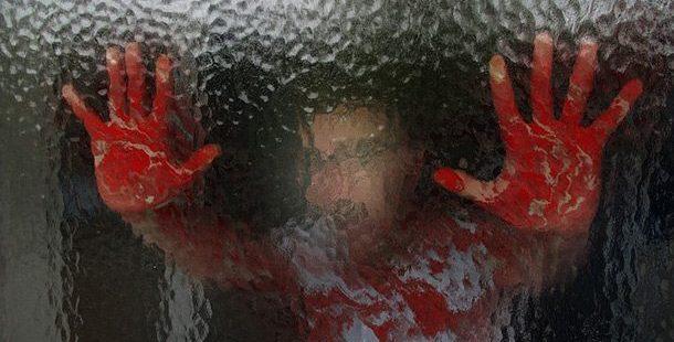 10 Hal Terbodoh yang Dilakukan Orang Dalam Film Horor