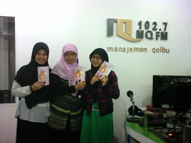 talkshow novel dimesi di radio