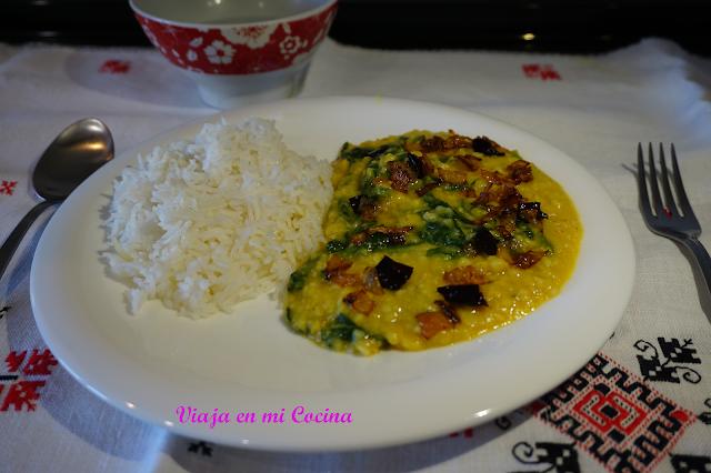 Palong Shak Daal (Lentejas con espinacas)