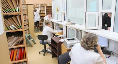 Минздрав отменил диспансеризацию и медкарты в учебных заведениях