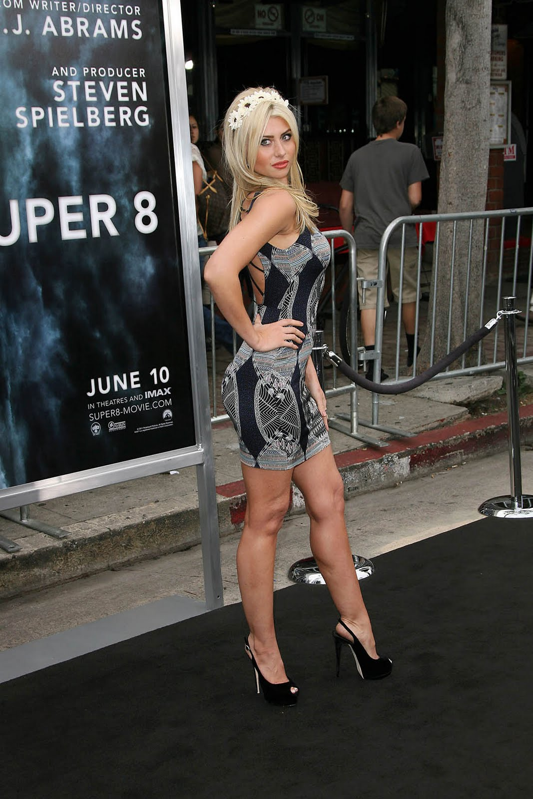 By D Ways: Aly Michalka Looking Too Hot