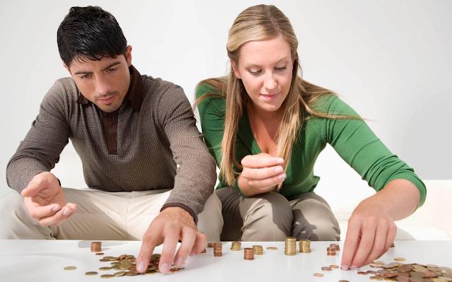 Finanças no casamento: 3 Perguntas que você e seu cônjuge deve fazer