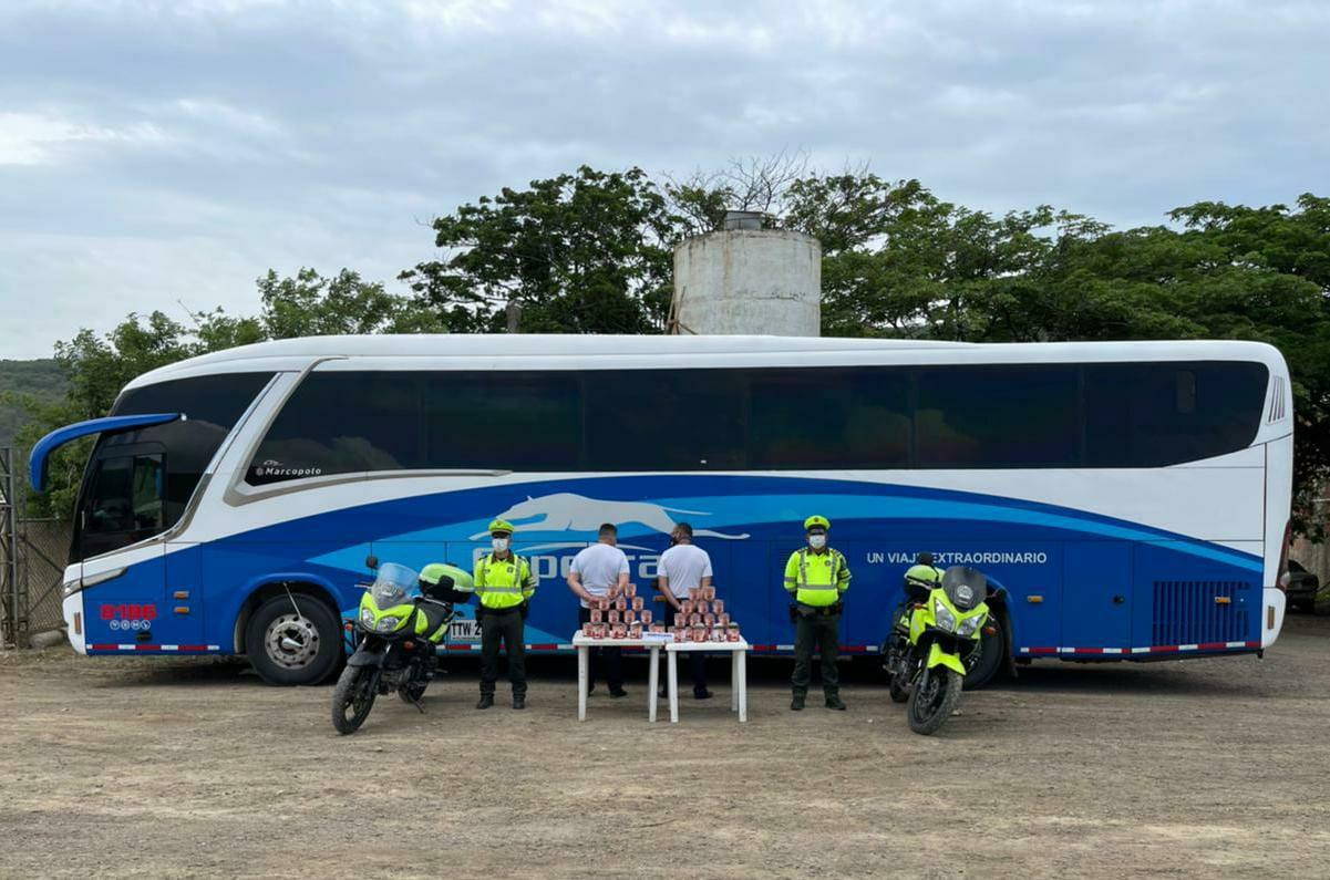 https://www.notasrosas.com/ En Hatonuevo: Policía Guajira captura dos personas, con marihuana por valor de $16.500.000 de pesos