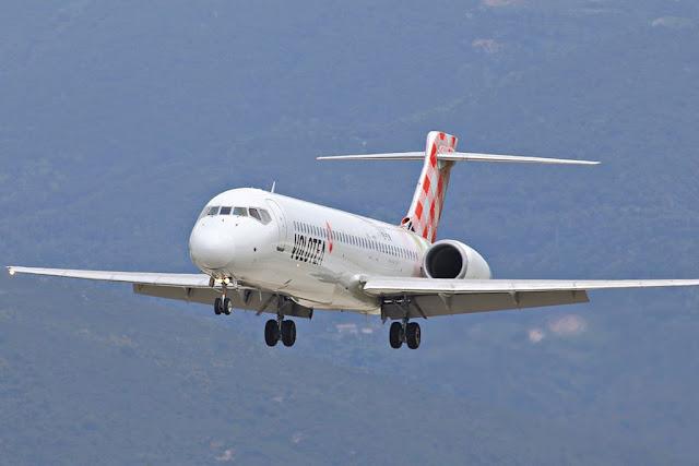 Volotea atterraggio emergenza Genova