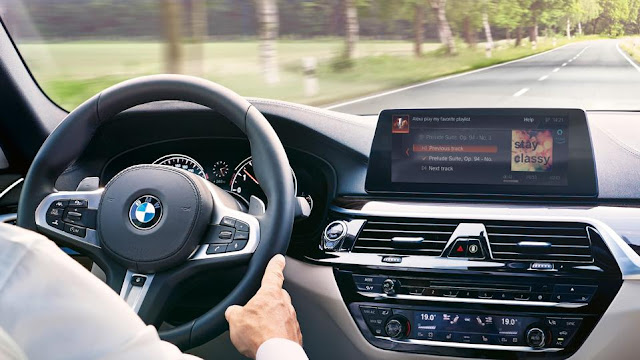 BMWs Warn Drivers Of Speed Traps And Red-Light Cameras