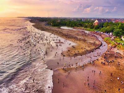 Tradisi Bau Nyale di Lombok