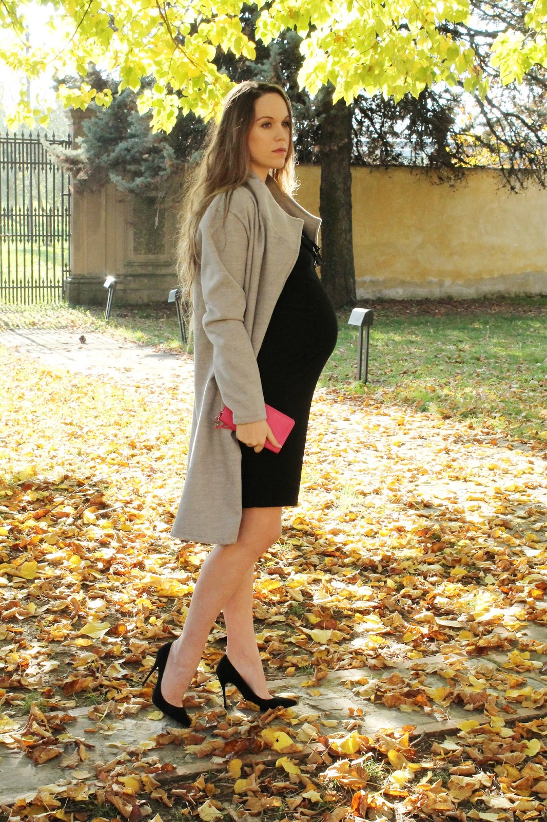 8 month pregnant outfit