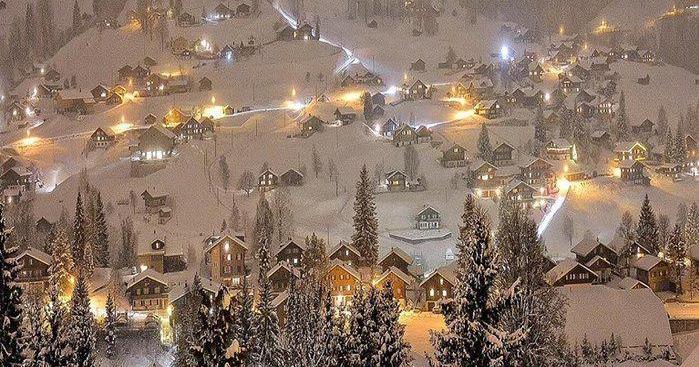 Το ωραιότερο χωριουδάκι για να γιορτάσεις τα Χριστούγεννα