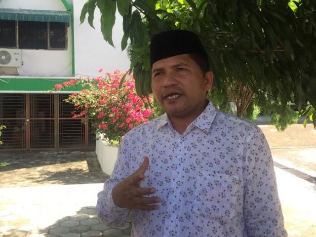 Fatwa MPU Aceh: Simbol Agama Haram Dipasang di Mobil, Baju dan Peci