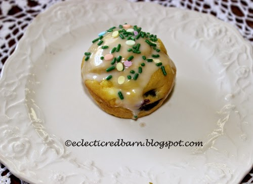 Eclectic Red Barn: Cake Mix Blueberry Muffin