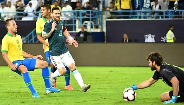نتيجة مباراة الأرجنتين والبرازيل اليوم.. ميسي يقود التانجو للفوز