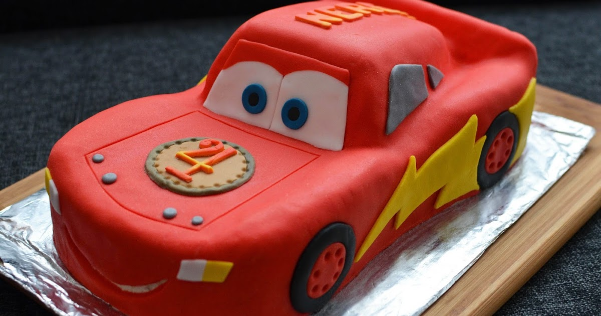 barbara 39 s backstube lightning mcqueen torte mandelbiskuit mit beerenf llung. Black Bedroom Furniture Sets. Home Design Ideas