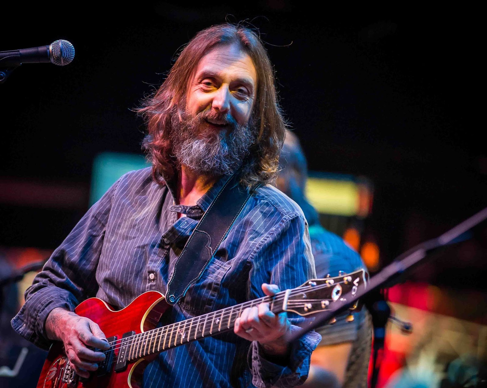 How Tall is Chris Robinson? (2018) Height – How Tall is Man?