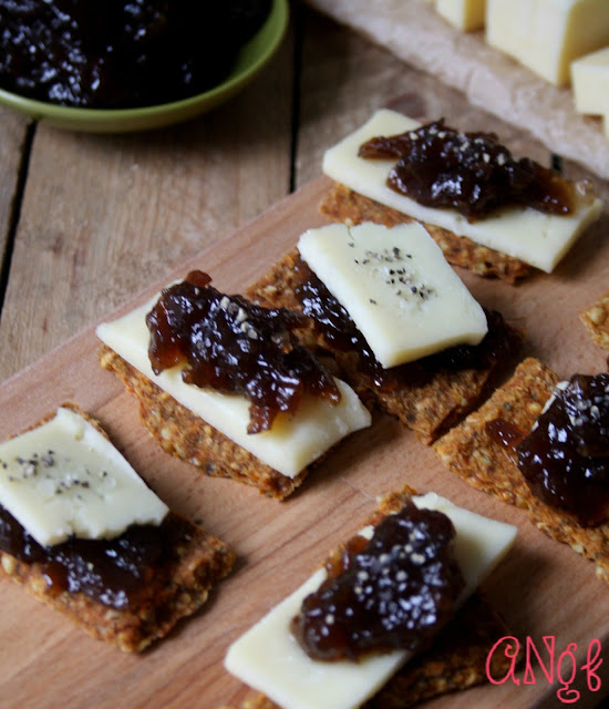 Gluten free crispbreads topped with Castello Havarti cheese and caramelised onion chutney | Anyonita-nibbles.co.uk