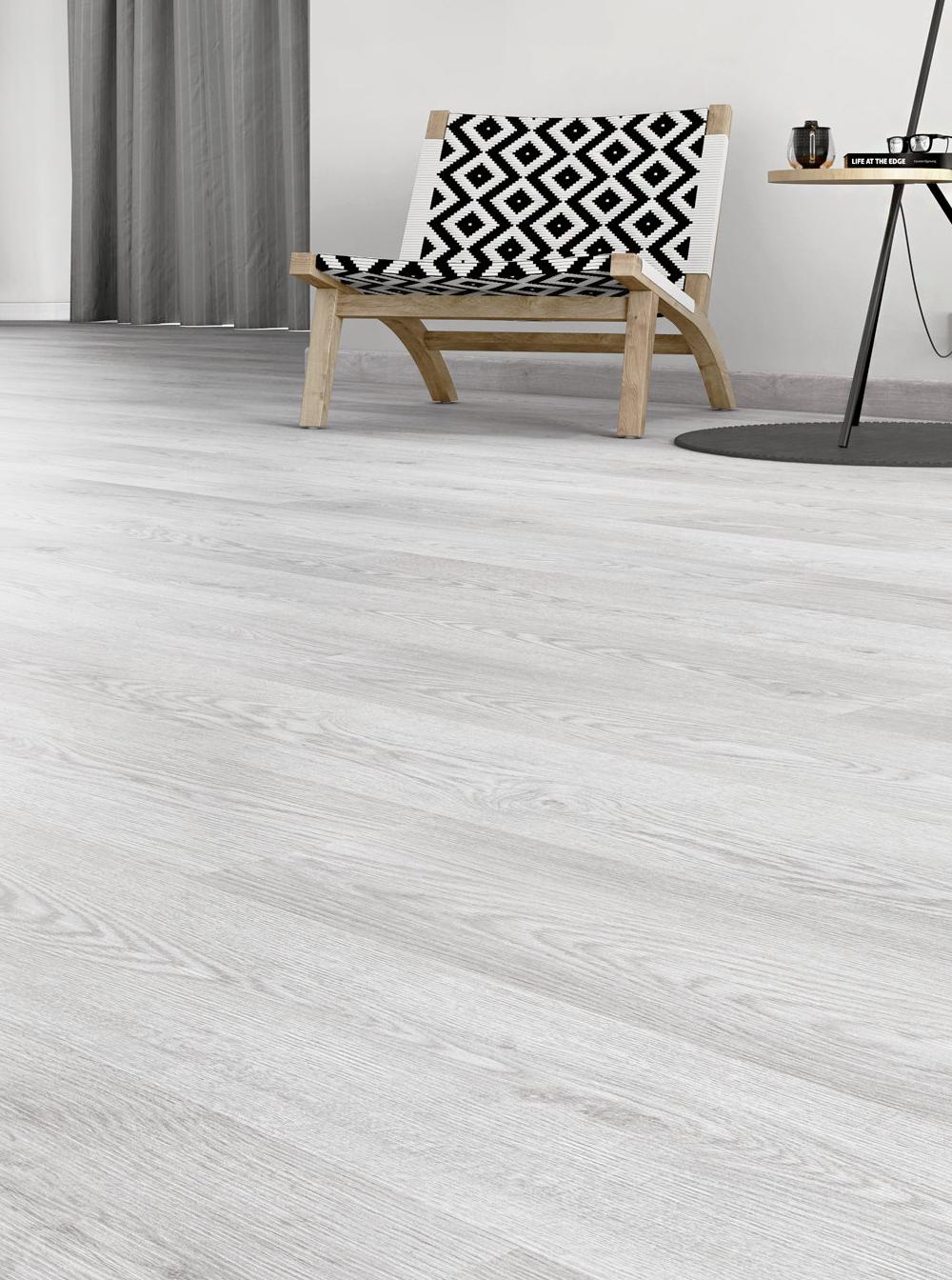 White floor at home / Poner un suelo blanco en casa