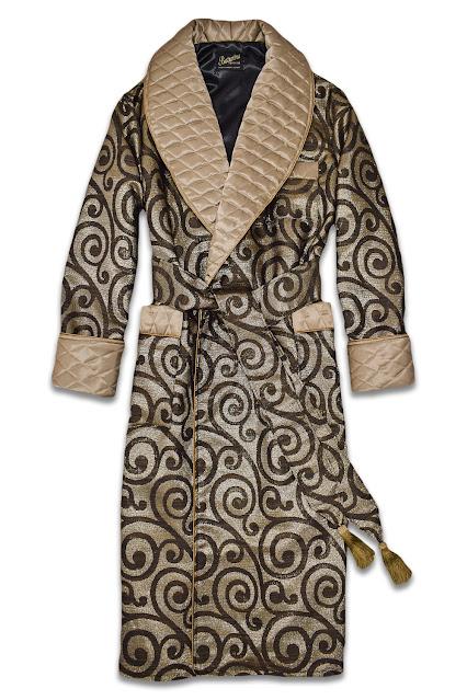 luxus hausmantel für herren seide gold gesteppt morgenmantel stilvoll elegant edel