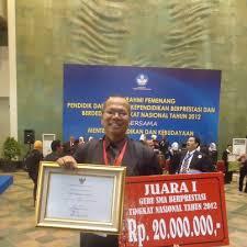 Contoh Biografi Guru Teladan Indonesia