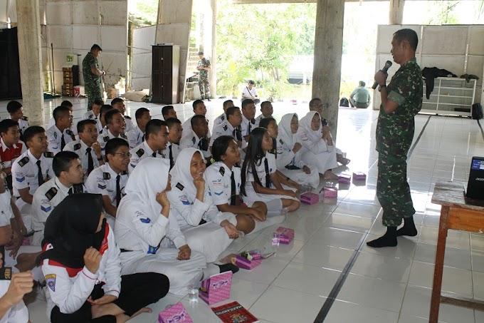 Siswa SMK Nasional Ikuti Pembekalan Penerimaan TNI