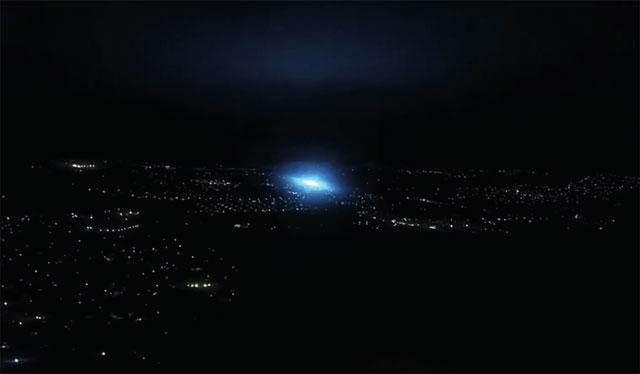 Cahaya Misterius yang Muncul Saat Gempa