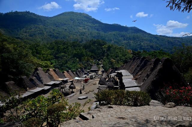 Vista del pueblo de Bena, Flores, Indonesia
